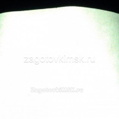 Плёнка светоотражающая- идет как фон 1 лист